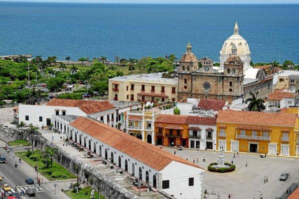 http://fronterainformativa.files.wordpress.com/2012/04/cartagena-de-indias.jpg