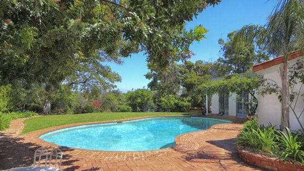 Marilyn-Monroe-Brentwood-Home-Pool-1200x800